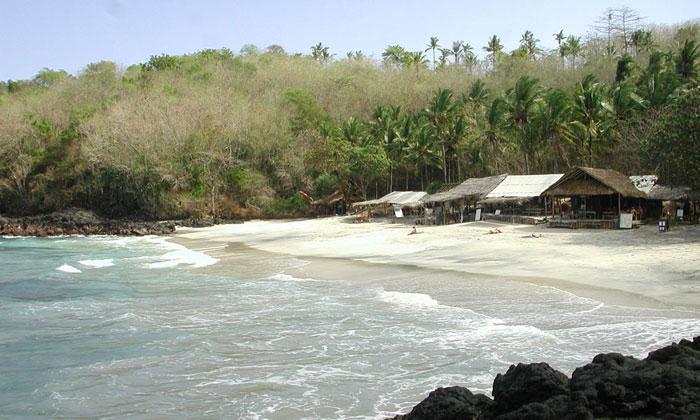 Pantai Pasir Putih, Padang Bai. foto:wikimapia