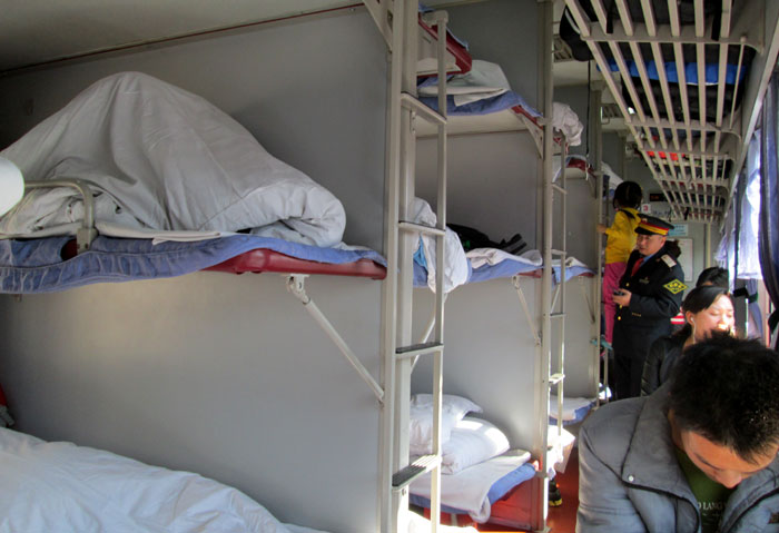 Kabin sleeper train yang saya tumpangi dari Kunming ke Lijiang