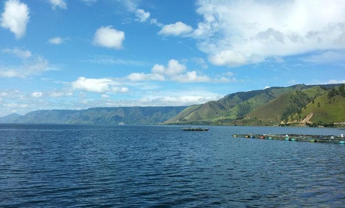 Intim dengan Danau Toba.