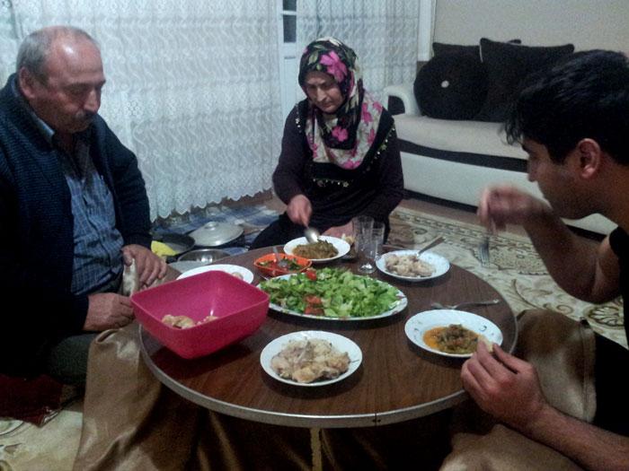 Ini makan bersama Baba, Anne dan Beytullah.