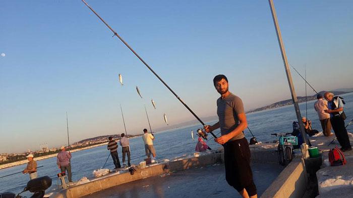 Sadullah memancing sendiri