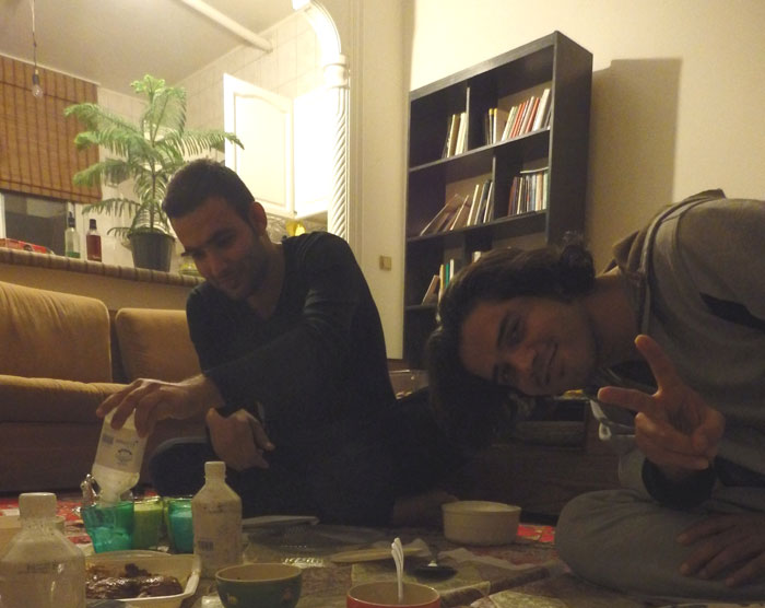 Makan malam bersama Reza dan Majid