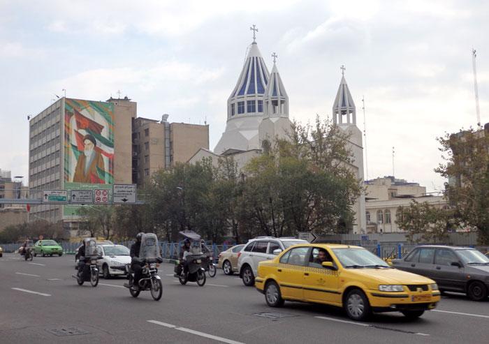 Gereja di pusat Kota Teheran